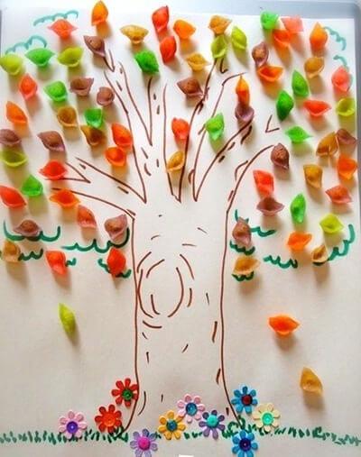 Осенняя аппликация из цветных макарон