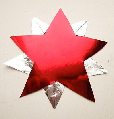 Склеиваем звездочку с фольгой