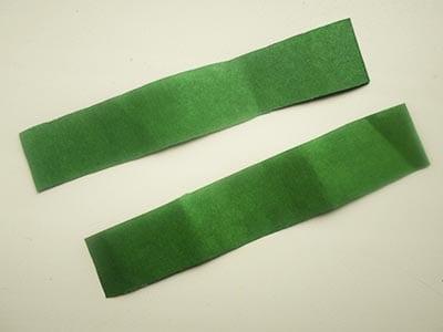 Зеленые полоски бумаги