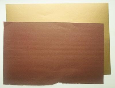 Подбираем лист коричневой бумаги