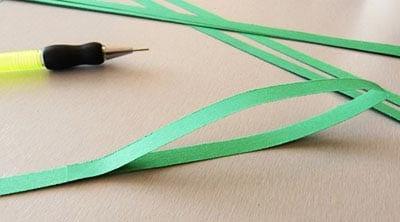 Петелька из зеленой полоски