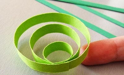 Слабый ролл из светло-зеленой бумаги