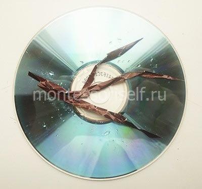 Располагаем веточки на диске