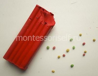 Маленькие шарики из пластилина
