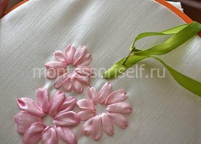 Вышиваем листик