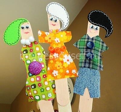 Куклы в бумажной одежде