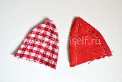 Сшиваем лоскут красного цвета и лоскут в клеточку