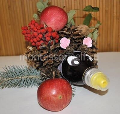 Осенний ежик из шишек и бутылки