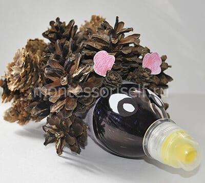 Ежик из пластиковой бутылки и шишек