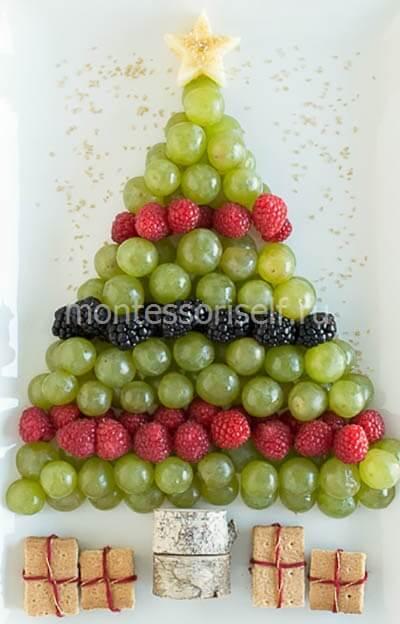Елочка из ягод и винограда