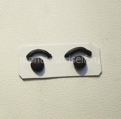 Глазки на картоне