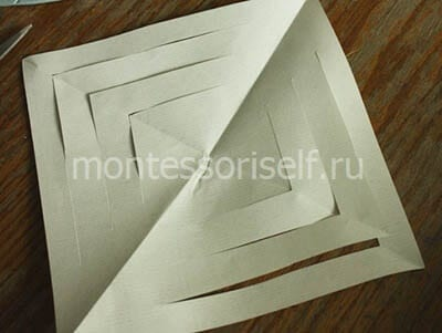 Разворачиваем лист бумаги