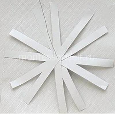 Нанизываем бумажные полоски
