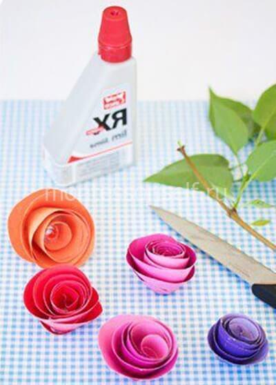 Скручиваем розу из бумажной полосы