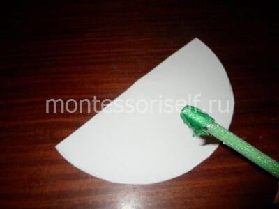 С помощью карандаша прижимаем зеленый квадратик