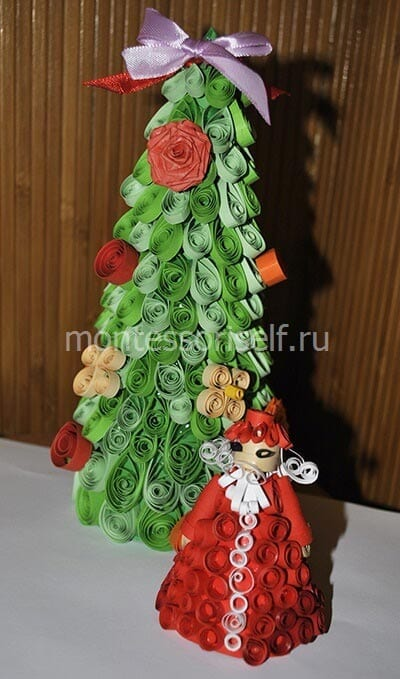 Дед Мороз под елочкой