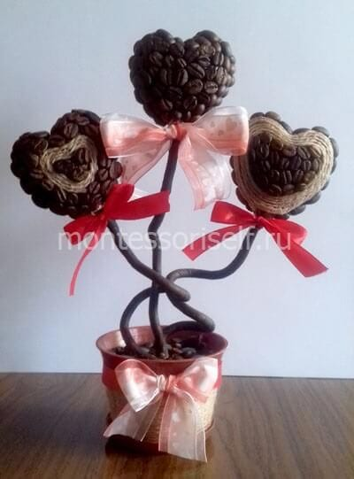 Топиарий из кофейных зерен для мамы