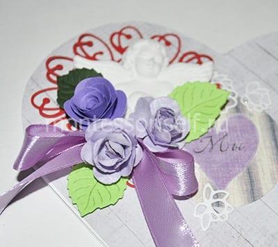 Букет бумажных цветов с листьями