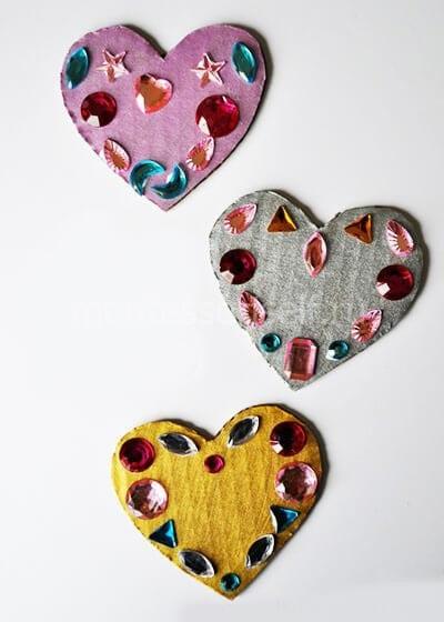 Валентинки из картона украшенные стразами
