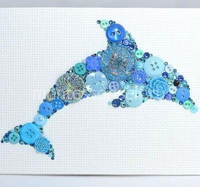 "Картина из пуговиц ""Дельфин"""