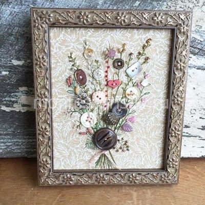 Букет цветов из пуговиц