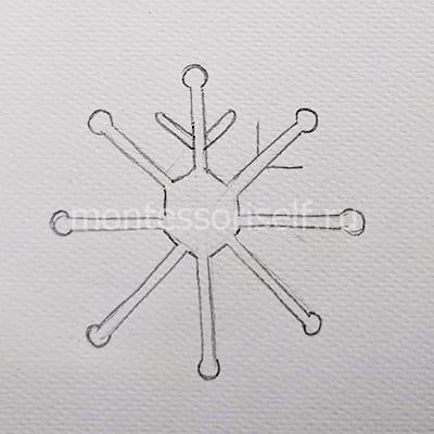 Стираем в центре, округляем основные лучи и дорисовываем боковые