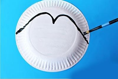 Рисуем на тарелке линию