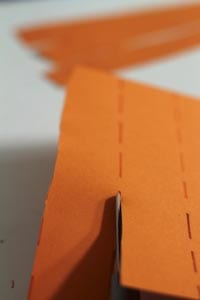 Разрезаем бумагу по линиям