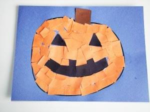 Аппликация на Хэллоуин из кусочков бумаги