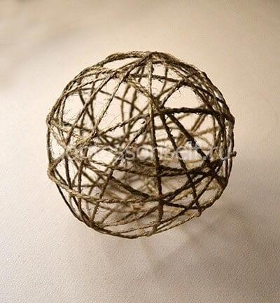 Застывшая веревка в форме шара