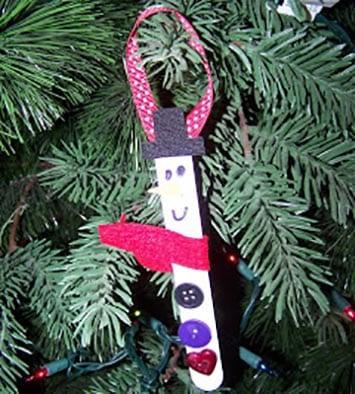 Новогоднее украшение снеговик 2