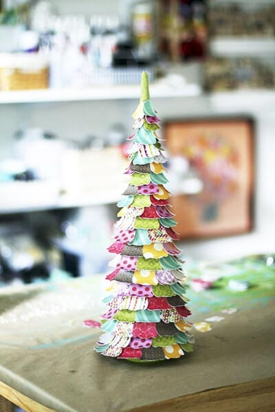 eb28 Новогодние елки из цветной бумаги своими руками: 10 идей поделок к Новому году