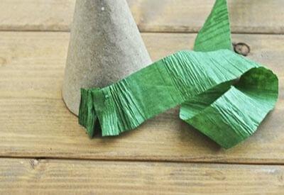 eb4 Новогодние елки из цветной бумаги своими руками: 10 идей поделок к Новому году