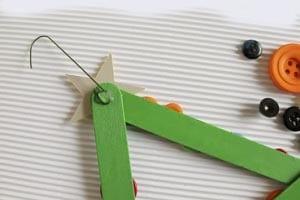 Поделка из палочек от мороженого новогодняя елка 6