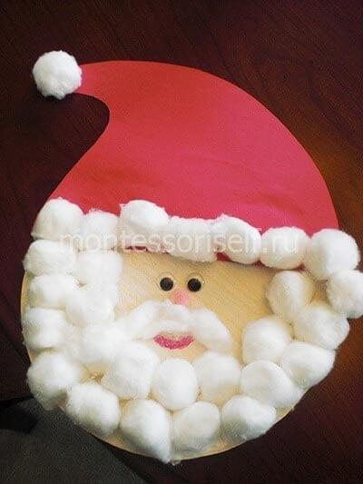 Аппликация Дед Мороз из бумаги и ватных шариков