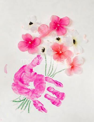 Приклеиваем живые цветы