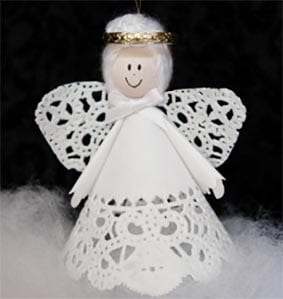 Рождественский ангел из кружева