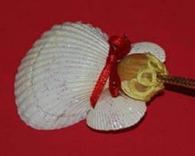 Рождественский ангел из ракушек 7