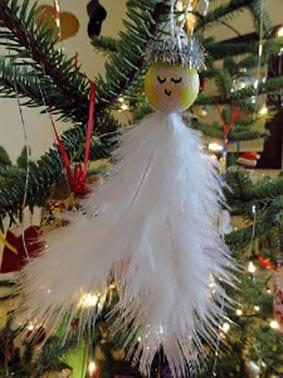 Украшение на елку Рождественский Ангел из перышек