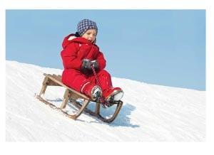 Зимняя забава - катание на санках
