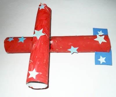 Самолет из картонных трубочек
