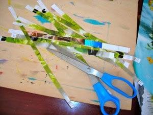 Полоски из глянцевого журнала с зеленой травкой