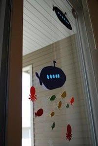 Украшение на окно из бумаги - подводная лодка 2