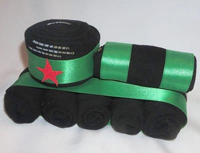 Носки в виде танка в подарок на 23 февраля