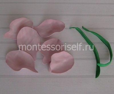 Лепестки и листья из фоамирана