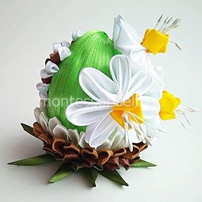 Пасхальное яйцо из лент с цветами
