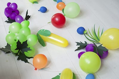 Фрукты из шариков