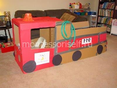 Пожарная машина из коробок