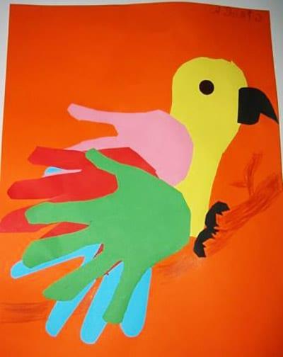 Попугай из ладошек