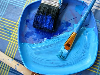 Синие и голубые краски для раскраски корабля